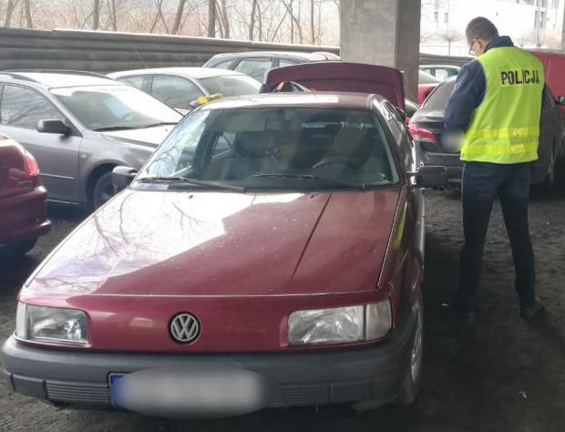 Passat, którego użyto do kradzieży, został zabezpieczony przez policję.