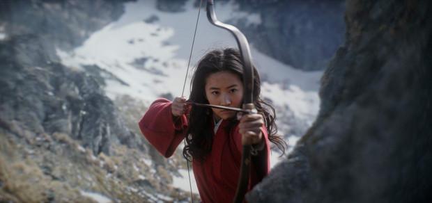 """Aktorską wersją """"Mulan"""" Disney celował przede wszystkim w chiński rynek. Już wiadomo, że ani Azjaci, ani mieszkańcy pozostałych kontynentów filmu na pewno nie obejrzą w marcu."""