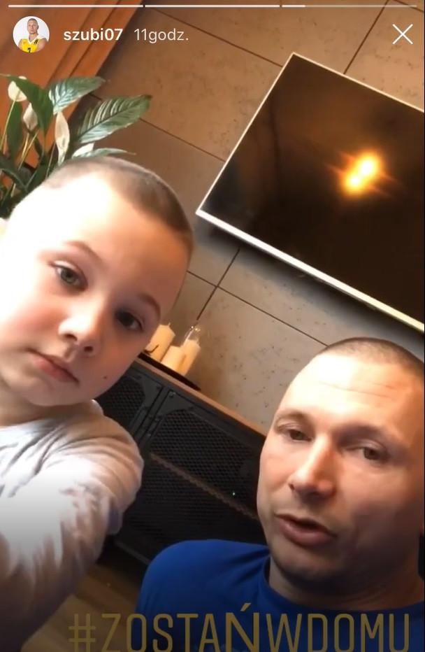 Krzysztof Szubarga z Asseco Arki Gdynia wraz z synem namawia do pozostania w domu.