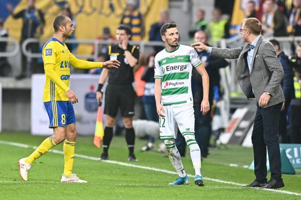 Piłkarze Arki Gdynia i Lechii Gdańsk do gry w ekstraklasie będą mogli wrócić najwcześniej 14 kwietnia. Na dokończenie rozgrywek mają czas do 26 czerwca.