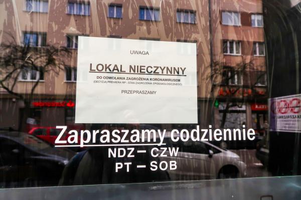 Część lokali, nie tylko w centrum Gdyni, musiała zostać zamknięta.