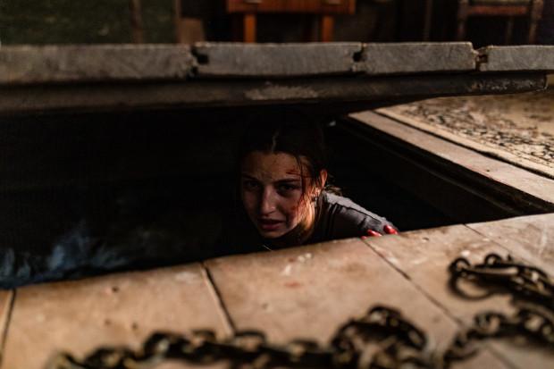 """Film """"W lesie dziś nie zaśnie nikt"""" miał zaplanowaną premierę 13 marca, ale odwołano ją z powodu zagrożenia epidemiologicznego. Od piątku 20 marca można film obejrzeć na platformie Netflix. Na zdjęciu: Julia Wieniawa."""