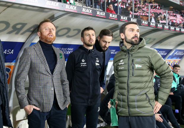 Paweł Habrat (z prawej) na co dzień pracuje z piłkarzami Lechii Gdańsk.