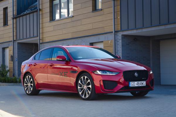 Jaguar XE 2020 po faceliftingu.