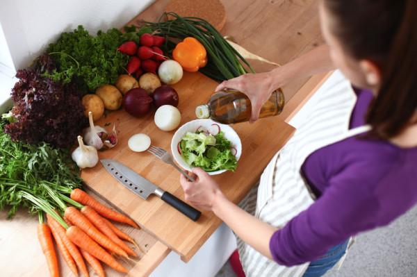 To właśnie przebywając w domu, mamy większą szansę na spożywanie zdrowych posiłków.