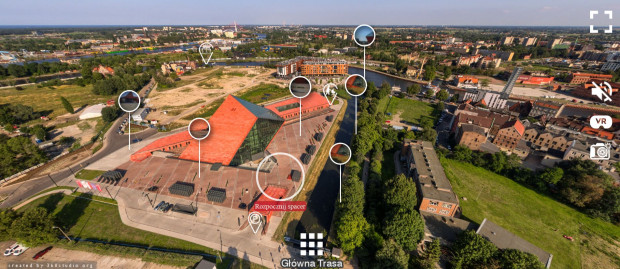 W głównej siedzibie MIIWŚ, oprócz obejrzenia efektownych panoram na zewnątrz budynku, zwiedzimy jedynie salę poświęconą obronie Westerplatte.