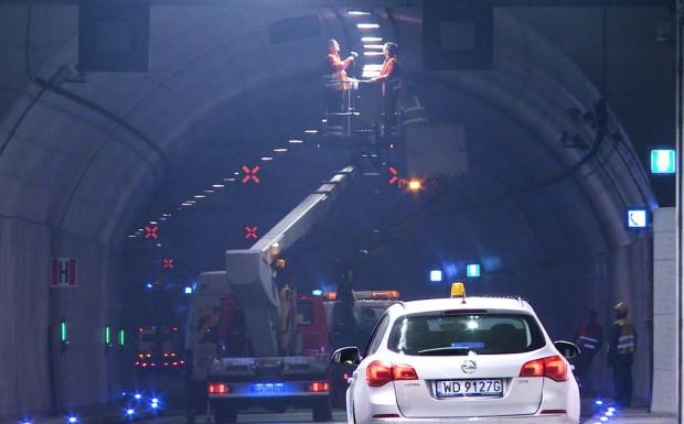 Prace serwisowe w tunelu będą prowadzone nocami, w godz. 20-6, aż do poniedziałku.