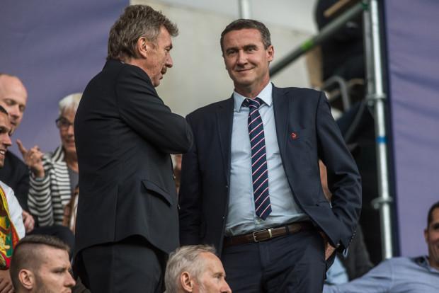 Zbigniew Boniek (z lewej) zwrócił się do prezesów wojewódzkich związków piłki nożnej, w tym do Radosława Michalskiego (z prawej) z propozycją zmian w nazewnictwie polskich lig. Według niego powinny odpowiadać rzeczywistym szczeblom rozgrywek.