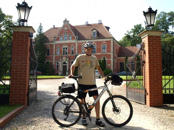 Pałac w Leźnie od frontu