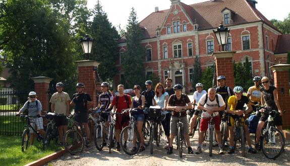 Przystanek w Leźnie na zwiedzanie pałacu
