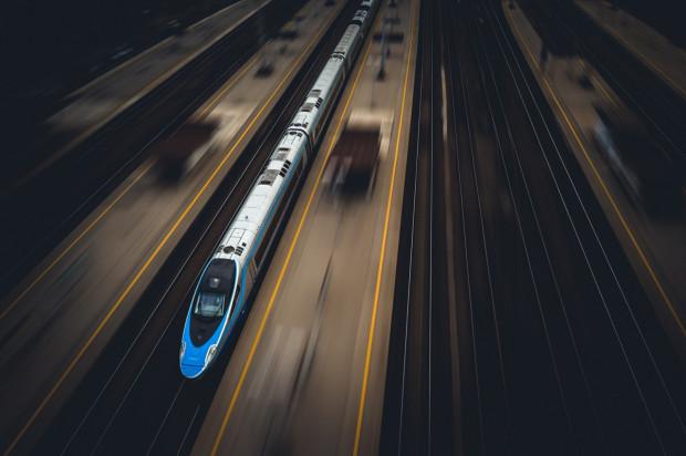 PKP Intercity sukcesywnie przywraca kursowanie kolejnych zawieszonych bądź skróconych wcześniej połączeń.