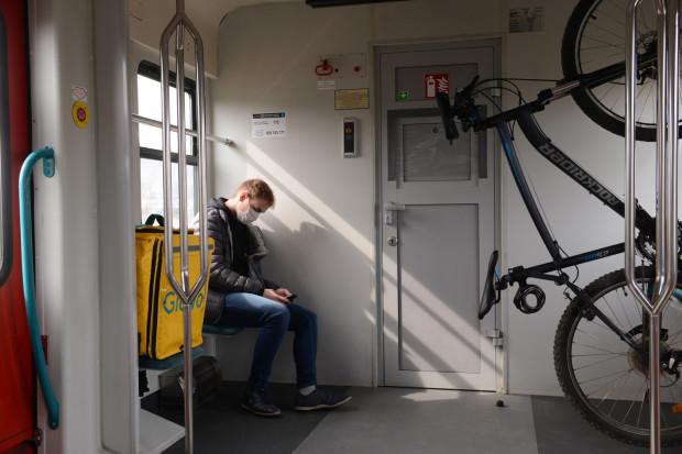Kolejarze analizują pomysł rezerwacji miejsc w pociągach.