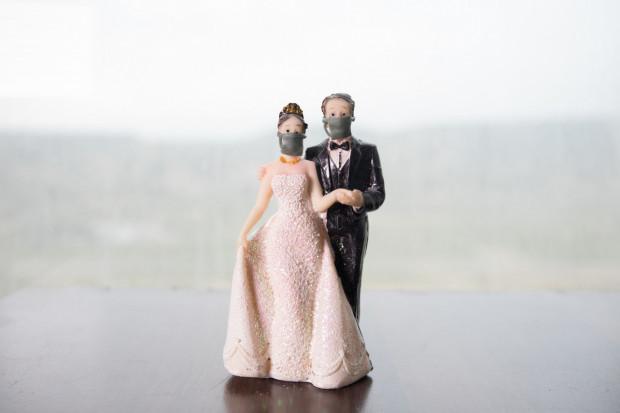 Od czerwca będzie można organizować niewielkie uroczystości ślubne i weselne.
