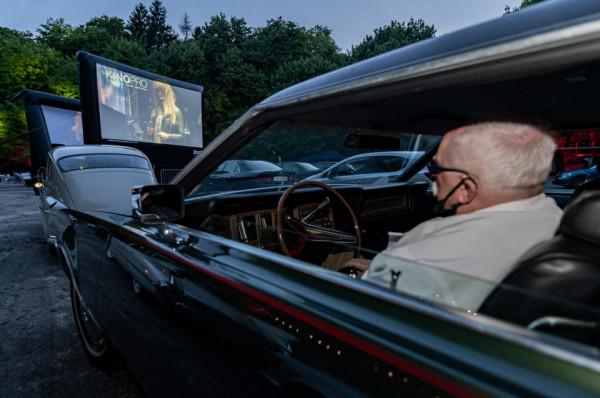 Ozdobą sopockiego kina samochodowego były auta zabytkowe.