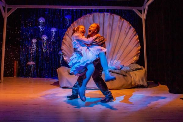 """Spektakl """"Marysia ma Rysia"""" to prezent od Gdyńskiego Centrum Kultury dla wszystkich dużych i małych dzieci z okazji Dnia Dziecka. Przedstawienie w sieci zobaczyć będzie można w niedzielę 31 maja."""