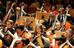 I Culture Orchestra składała się z bardzo młodych muzyków.