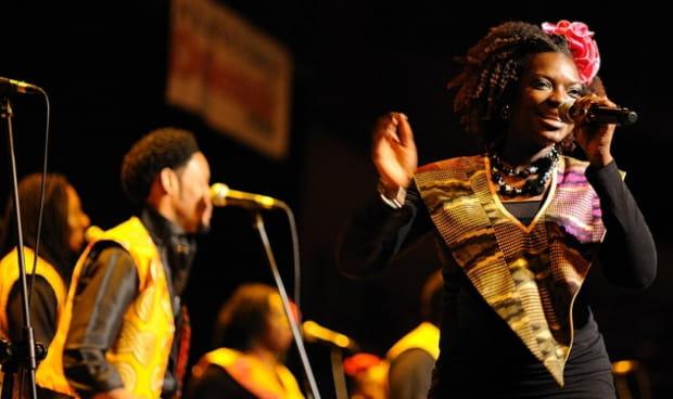 Wspólne przeżywanie występów przez muzyków i publiczność to esencja muzyki gospel.