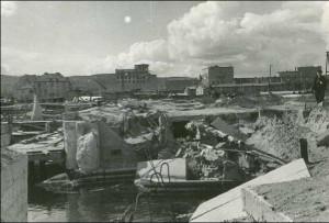 Rok 1947 - porządkowanie nabrzeża rybackiego.