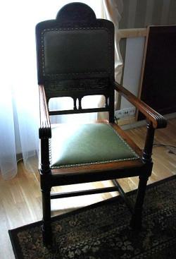 Na tym fotelu zasiadał prawdopodobnie sam Czcigodny lub Dozorca Loży Eugenia. Cenny mebel odnalazł się w siedzibie Pracodawców Pomorza.