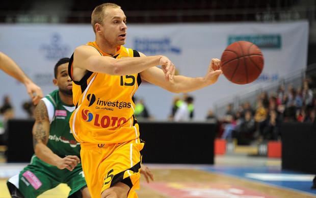 Łukasz Koszarek nie tylko poprowadził Trefla do zwycięstwa w finałowym meczu, ale został też MVP całego turnieju rozgrywanego w Zielonej Górze.