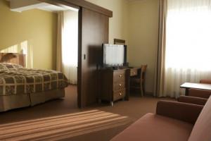 Dwugwiazdkowy Hotel Olivia oferuje gościom 80 pokoi.