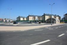 Wewnątrz pętli znajduje się parking dla aut, budynek dyspozytorni, punkt obsługi klienta oraz publiczna toaleta.
