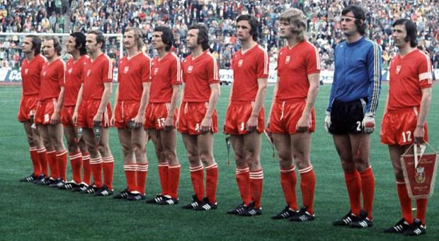 - Reprezentacja Polski największe sukcesy odnosiła w naszych strojach - przekonują przedstawiciele Adidasa.