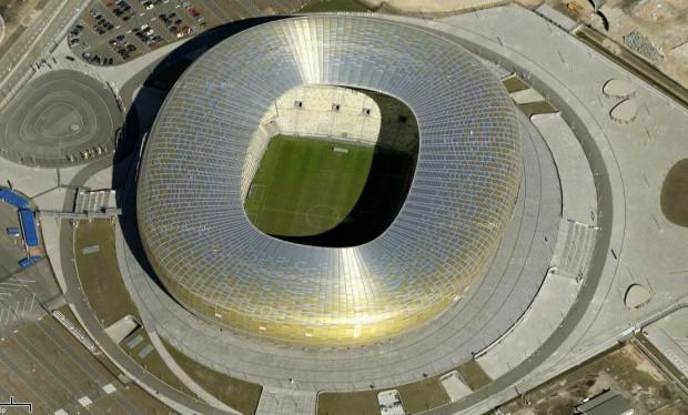 """Na Arenie Gdańsk podczas Euro 2012 odbędą się trzy mecze grupowe (10, 14, 18 czerwca, wszystkie z udziałem Hiszpanii) oraz pojedynek ćwierćfinałowy (22 czerwca, zwycięzca grupy B zagra z drugą drużyną """"polskiej"""" grupy)."""