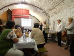 W Szwajcarii nasza grupa spotkała się z merostwem w piwniczce lokalnego producenta win.