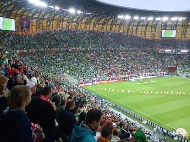 Trybuny gdańskiego stadionu są już pełne.