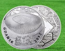 Nagroda główna w naszym konkursie - moneta kolekcjonerska z serii Stadiony Polskie 2012 wydana przez Mennicę Polską z okazji tegorocznych mistrzostw