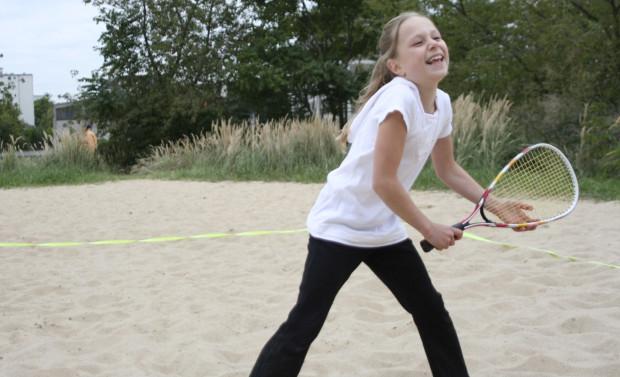 Speedminton to idealny sposób na wakacyjną rekreację, grać można wszędzie. Zapoznać się z tą dyscypliną można w 23 czerwca w gdańskim Parku Nadmorskim.