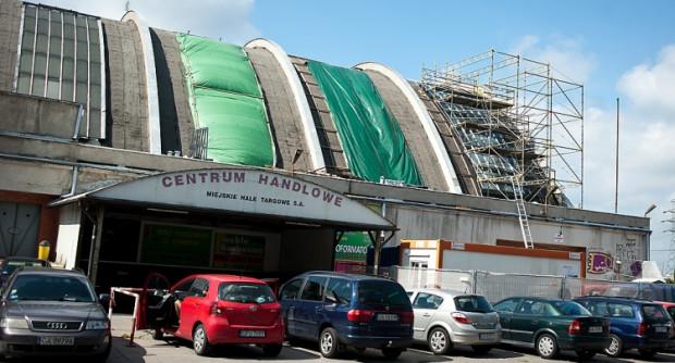 Remont dachu Hali Targowej ma trwać do końca listopada.