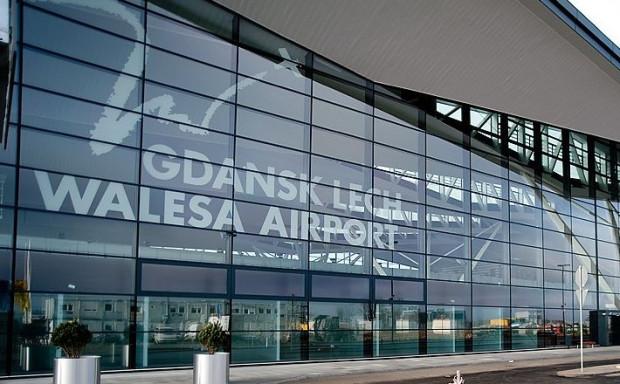 Terminal pasażerski lotniska w Rębiechowie.