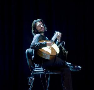 Artystce akompaniowało gitarowe trio na czele z wirtuozem gitary portugalskiej.