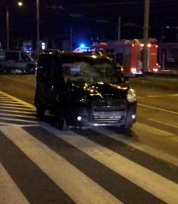 Samochód, którym podróżował pijany kierowca.