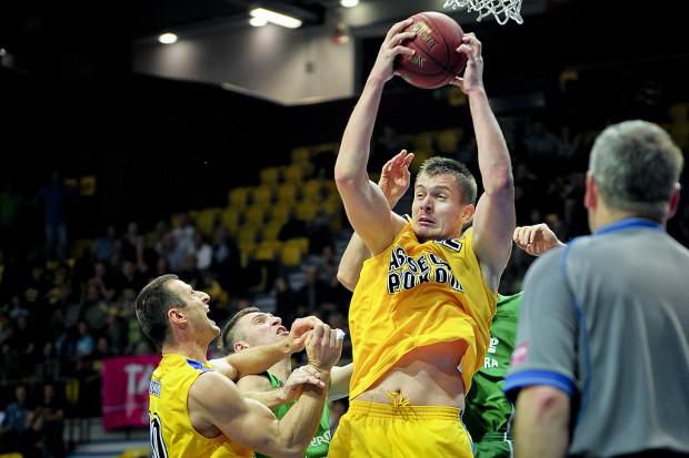 Rasid Mahalbasić wraz z Adamem Hrycaniukiem zdobyli dla Asseco Prokomu po 21 punktów.