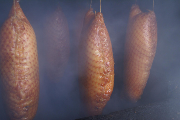 Wędzone półgęski czy pierśniki to specjały kuchni pomorskiej. Jadano je podczas Bożego Narodzenia, mięso długo zachowywało świeżość.