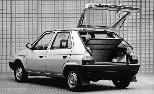 Škoda Favorit - udane auto z Czech obchodzi właśnie 25-lecie. U nas nigdy nie zdobyła statusu samochodu kultowego.