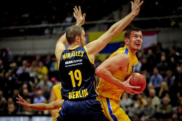 Rasid Mahalbasić zaliczył w Berlinie double-double, ale i tak gdynianie zaprzepaścili szanse na awans do dalszej fazy rozgrywek Euroligi.
